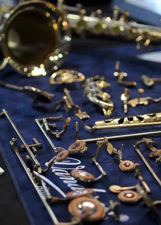 Réparation d'instruments à vent à l'Atelier Christophe Devillaire à Lyon